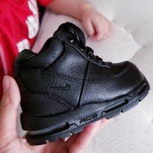 Nike air goadome high top